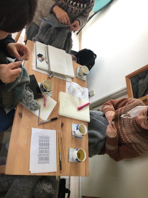 2月6日、編み物クラブ