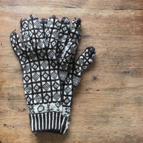 母のサンカ手袋