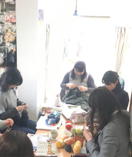 二月土曜の編み物クラブ