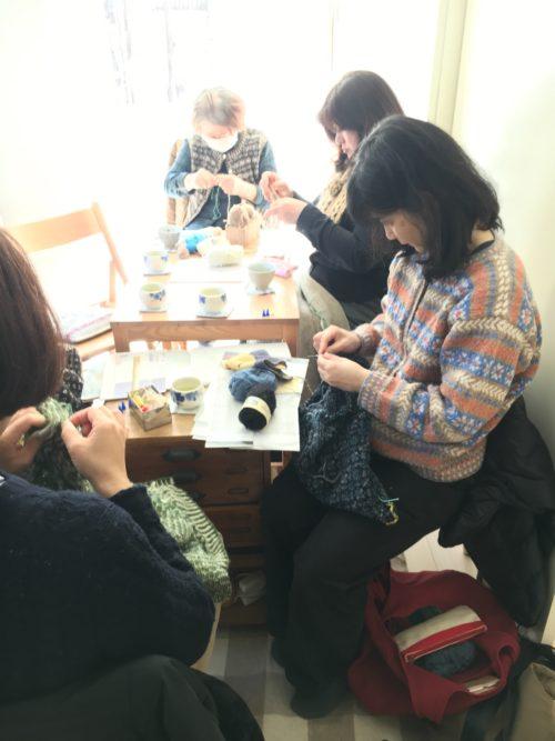 土曜の編み物クラブより
