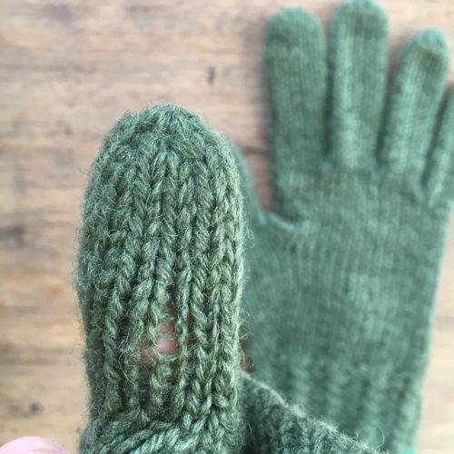 緑のアラン手袋