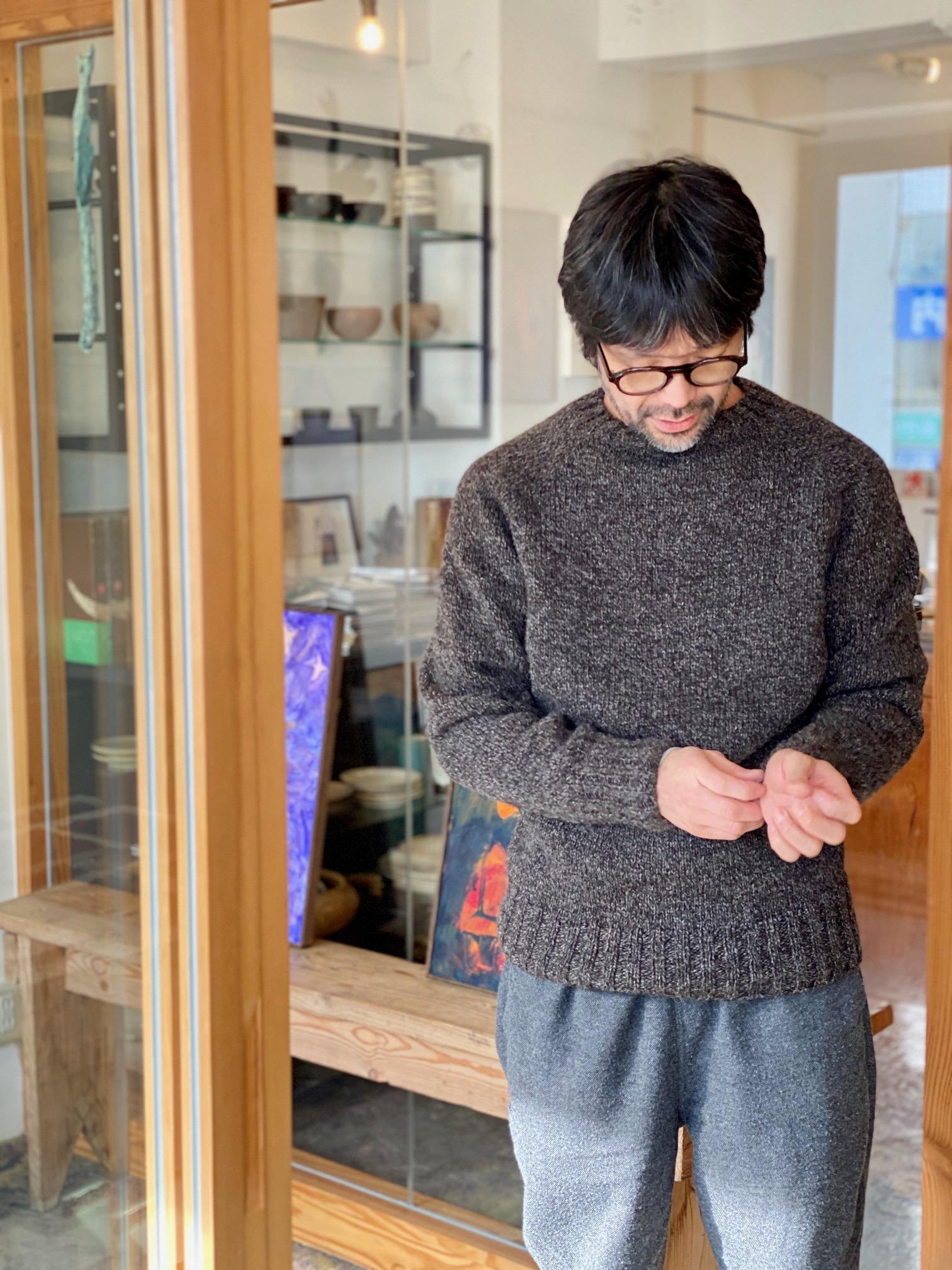 立花文穂さんの働くセーター