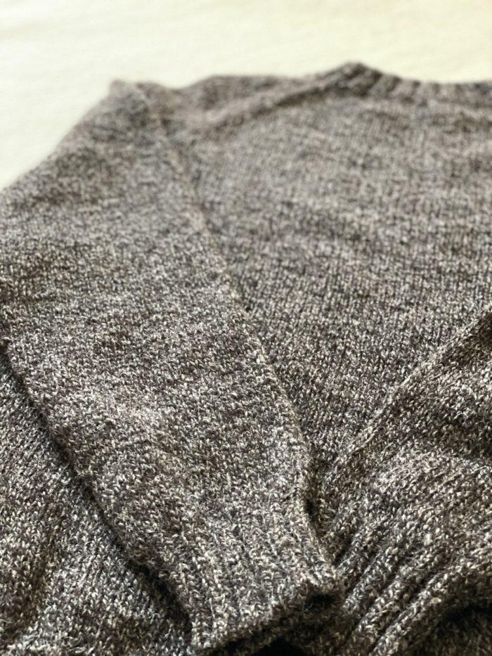 ブラックベアのような働くセーター