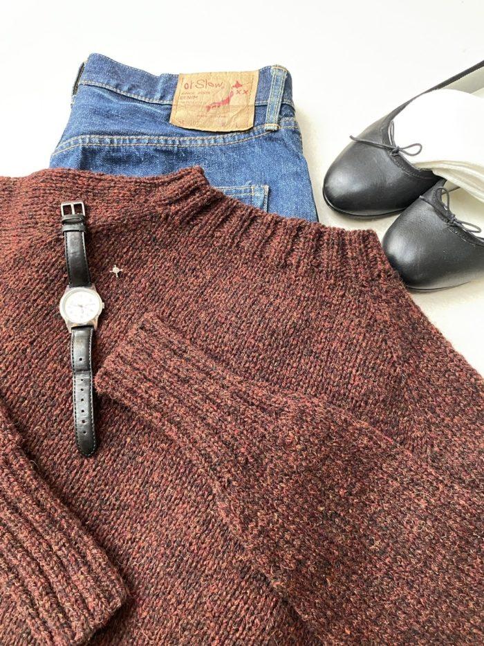 Ruby色の働くセーター